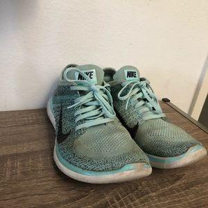 Nike flyknit Free 4.0 Size 10